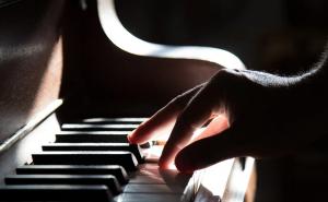 Avantages des cours de piano pour débutants en ligne